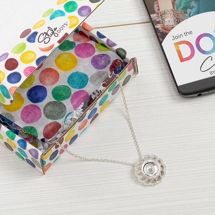 Dot Club necklace